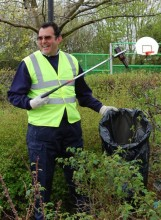 Dave Dace, Litter Picker