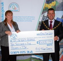 Bradley Stoke Mayor presents cheque to St Peter's Hospice