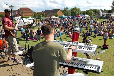 Bradley Stoke Community Festival 2011 - Tundra