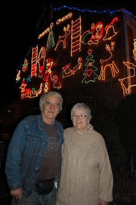 Tony and Veronica Davis, Little Stoke Christmas lights