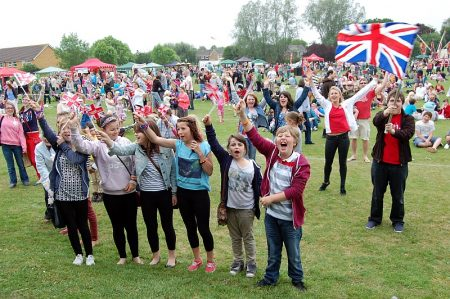 Crowd at the 2012 Bradley Stoke Community Festival.