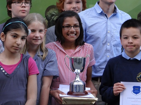 Niki Mehta (centre), the 2012 National Junior Memory Champion.