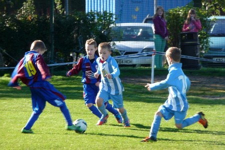Bradley Stoke Youth FC U9s in action against Ashton Boys.