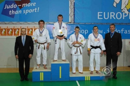 Pete Miles of Bradley Stoke Judo Club wins gold in Lithuania.