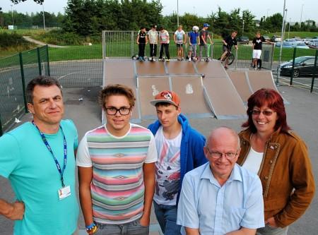 Bradley Stoke skate park campaigners.