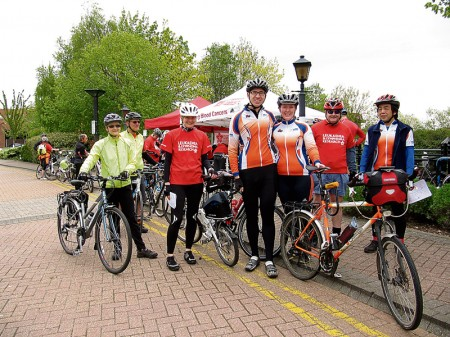 Participants at the 2013 Leukaemia & Lymphoma Research Bikeathon.