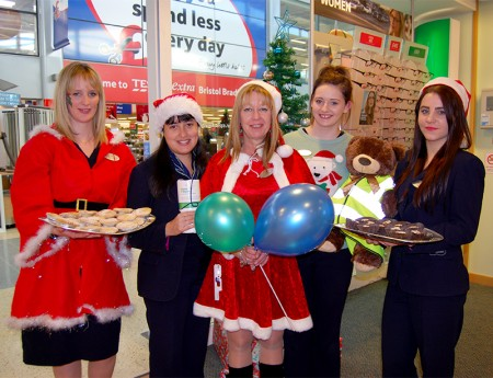 bradley-stoke-specsavers-festive-fundraising