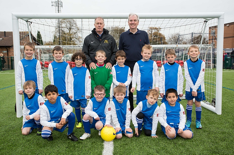The Bradley Stoke Youth FC U7 squad with Sir Geoff Hurst and Mike Guerin (McDonald's).