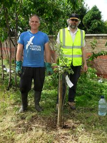 Bradley Stoke in Bloom volunteers at Palmers Corner.
