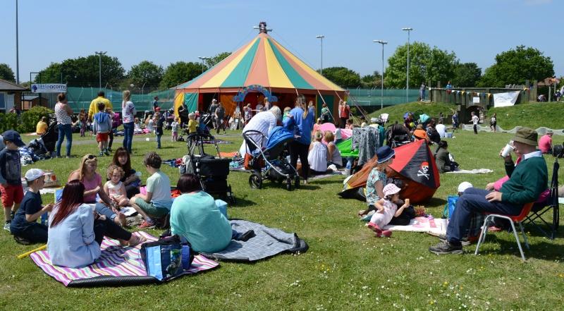 2016 Bradley Stoke Community Festival Picnic in the Park.