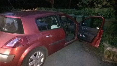 Red Renault Megane abandoned in Palmers Leaze, Bradley Stoke. [Credit: @ASPThornbury on Twitter]