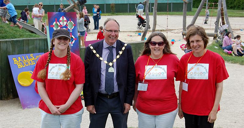 Friends of Jubilee Green volunteers.