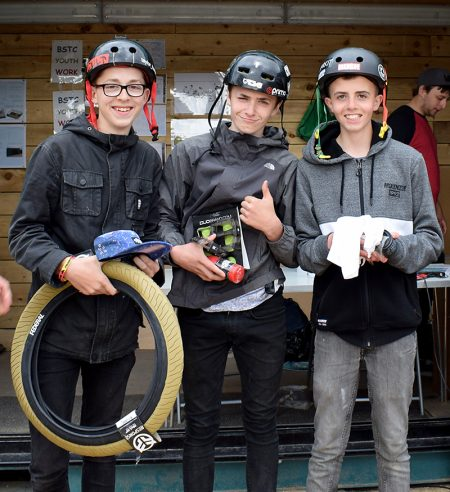 Prizewinners in the BMX 13 to 16 years category.