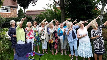 Willow Brook Townswomen's Guild: Red Arrows flypast at the Prosecco Cream Tea