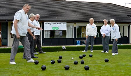 Photo of a game in progress at Bradley Stoke Bowls Club.