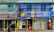 Photo of the outside of Barclays Bank, Patchway.