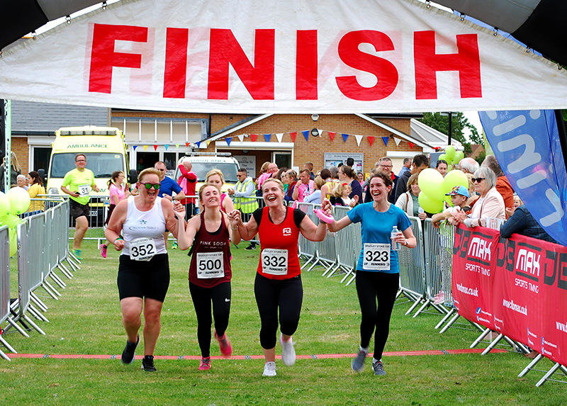 Photo of finishers at the 2019 Bradley Stoke 10k Run.