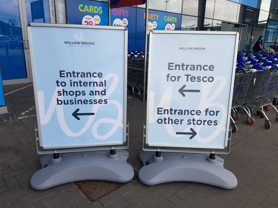 photo of signage in use at the Willow Brook shopping centre during the 2020 coronavirus emergency.