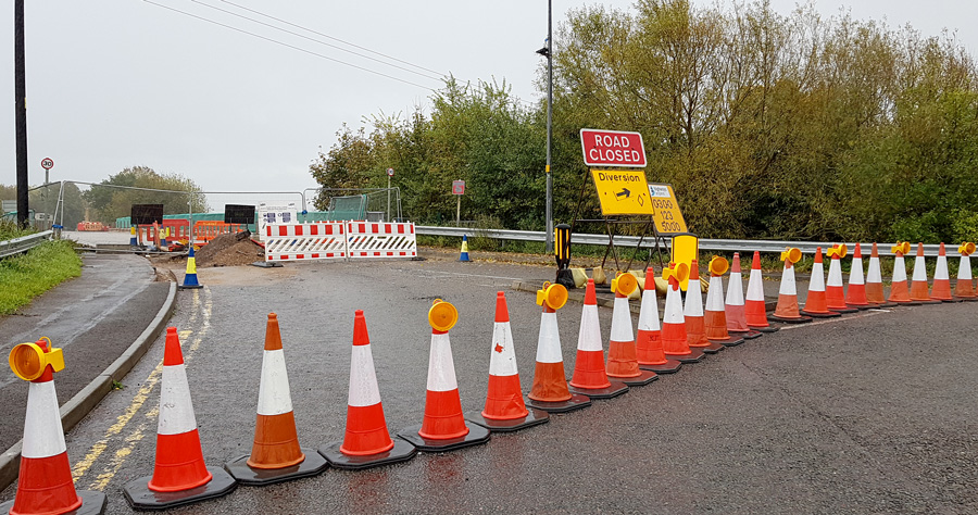 Photo of a road closure at the Trench Lane M4 over bridge.