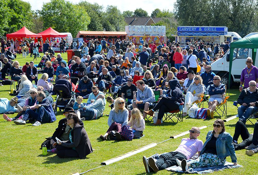 Photo of festival crowd.
